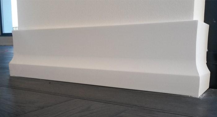 Podlahová dekorativní lišta